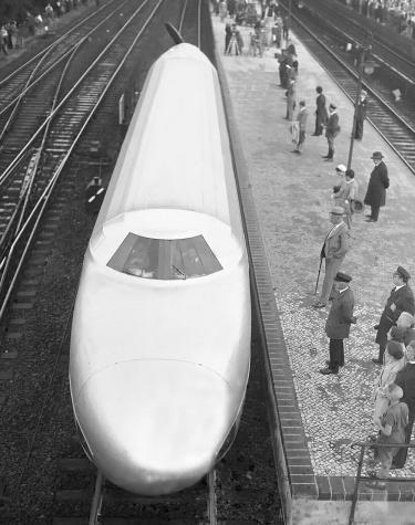 Rail-Zeppelin-top