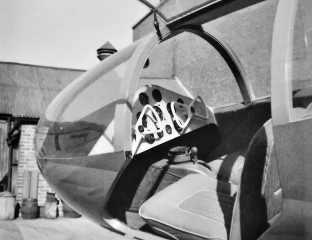 Planet-Satellite-cockpit-mockup