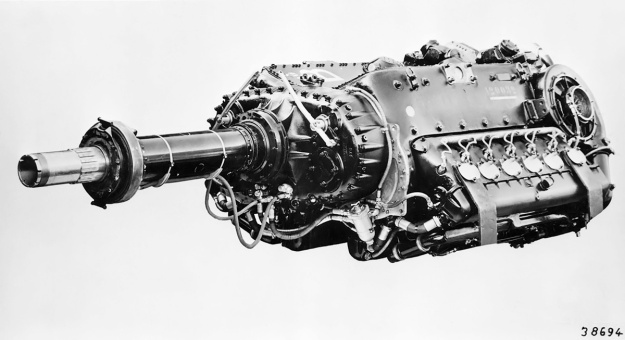 Daimler-Benz-DB-610-engine-side